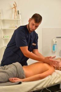 курс лікувального масажу